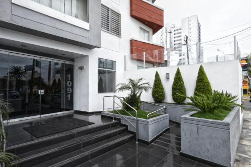 Guernica Apartments Photo