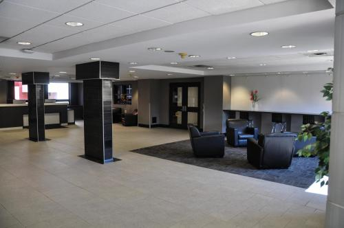 Residence & Conference Centre - Oakville - Oakville, ON L6H 6W4
