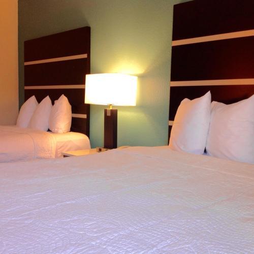 Americas Best Value Inn New London - New London, CT 06320