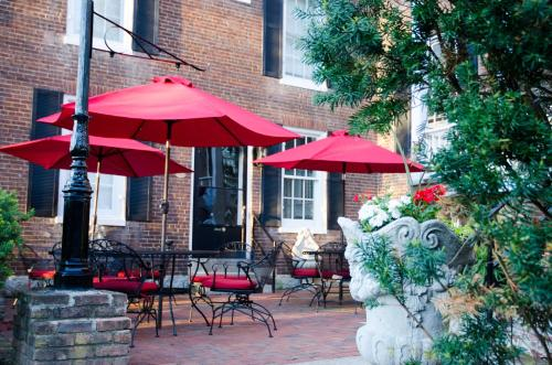 Bourbon Manor Bed & Breakfast Inn - Bardstown, KY 40004