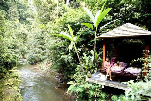 Hanging Gardens Ubud Hotel Review, Bali, Indonesia   Travel