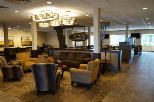 The Biltmore Hotel & Suites Main Avenue - Fargo, ND 58103