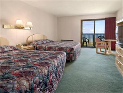 Bavarian Haus Lakefront Inn - Saint Ignace, MI 49781