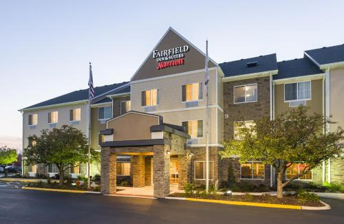 Hotels Near Naperville Illinois Usa Fairfield Inn And Suites By Marriott Chicago Aurora
