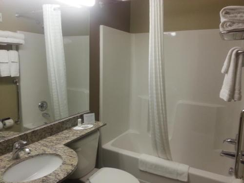 Microtel Inn and Suites Carrollton Photo