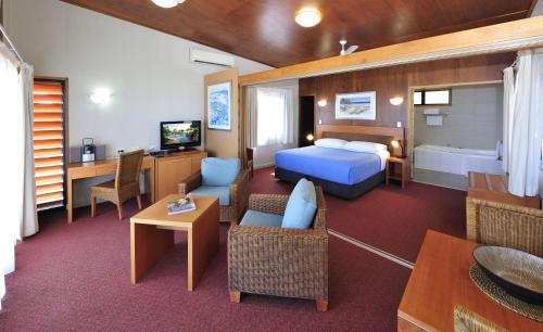 Groote Eylandt Lodge, 1 Bougainvillea Drive, Alyangula, Groote Eylandt, Gulf of Carpentaria, Northern Territory 0885, Australia.