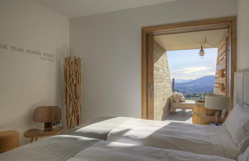 Double or Twin Room with Terrace Trossos Del Priorat 3