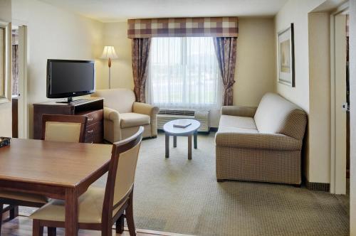 Homewood Suites By Hilton Burlington On Canada - Burlington, ON L7L 5S3