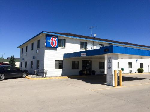 Motel 6 Fargo- South - Fargo, ND 58104
