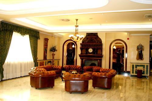 Hotel Infanta Cristina 4