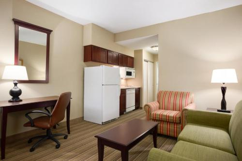 Country Inn & Suites by Radisson, Ithaca, NY Photo