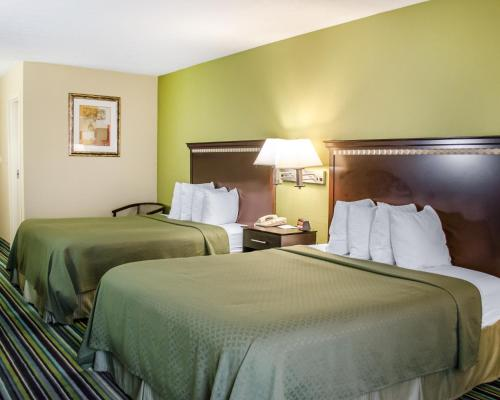 Quality Inn & Suites Medina - Akron West Photo