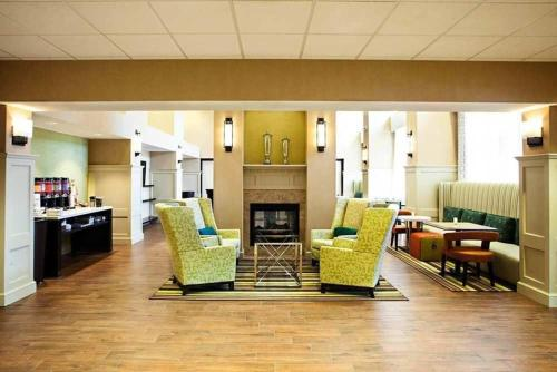 Hampton Inn & Suites Albany-Airport in Latham