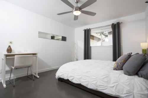 Travis Heights Modern I - Austin, TX 78704