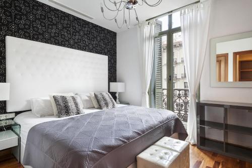 Uma Suites Luxury Downtown photo 33