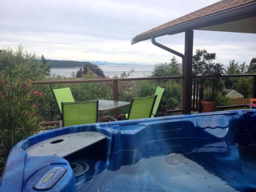 Hidden Harbour Vacation Rental And B&b - Campbell River, BC V9W 1Y8