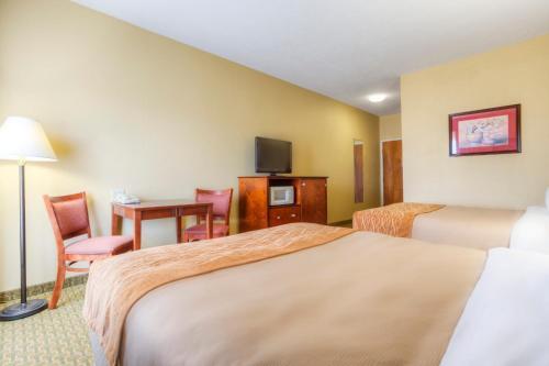 Comfort Inn Henderson Photo