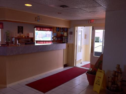 Canadas Best Value Inn Belleville - Belleville, ON K8P 3C6