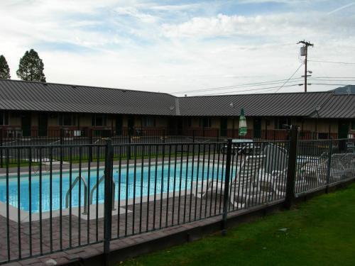 Walker River Lodge Photo