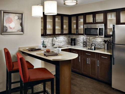 Staybridge Suites Dearborn