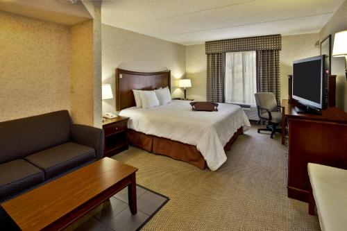 Hampton Inn & Suites Richmond/Virginia Center photo 12