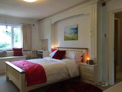 Halebarns House - Airport Boutique Guest House, Manchester Airport