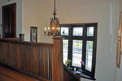 Greystone Manor Bed And Breakfast - Niagara Falls, ON L2E 3G6