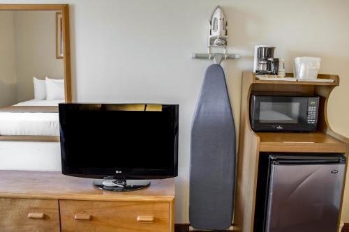 Quality Inn & Suites Longview - Longview, WA 98632