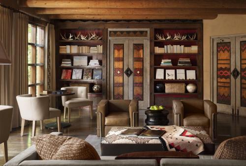 Rosewood Inn of the Anasazi Photo