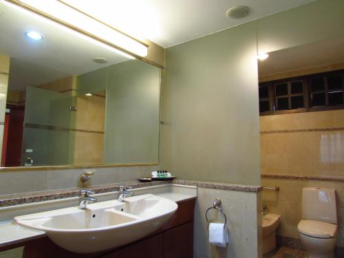 Alocassia Serviced Apartments photo 15