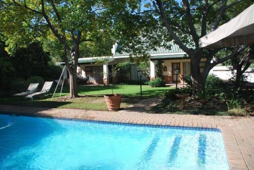 Sunninghill Guest Lodges Photo