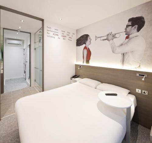 ibis Styles London Kensington photo 17