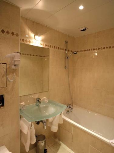 121 Paris Hotel photo 16