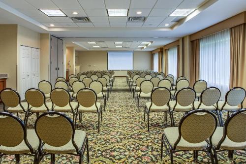 hilton garden inn cleveland airport hotel - Hilton Garden Inn Cleveland Airport