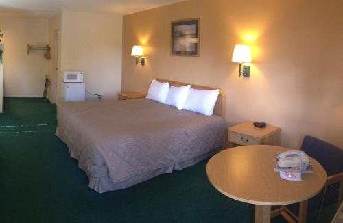 Black Canyon Motel - Montrose, CO 81401