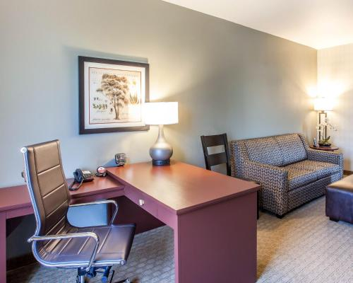 Comfort Suites Airport Tukwila - Seattle, WA 98188