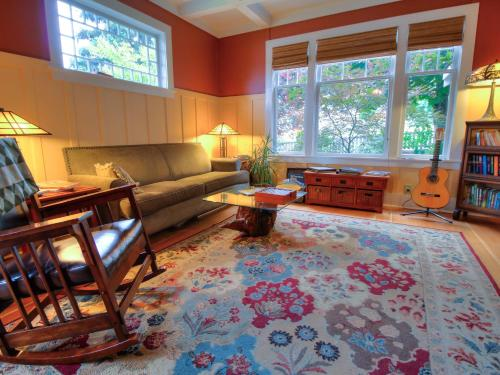 Argyle House Bed And Breakfast - Friday Harbor, WA 98250