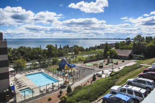 Edgewater Waterpark Resort Hotel Duluth
