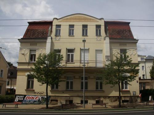 Mercedes Apartment