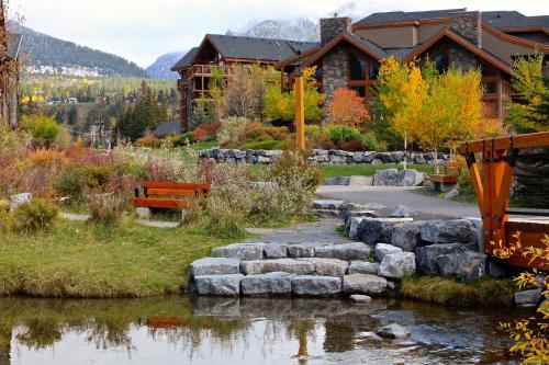 Luxury Canmore Vacations Photo