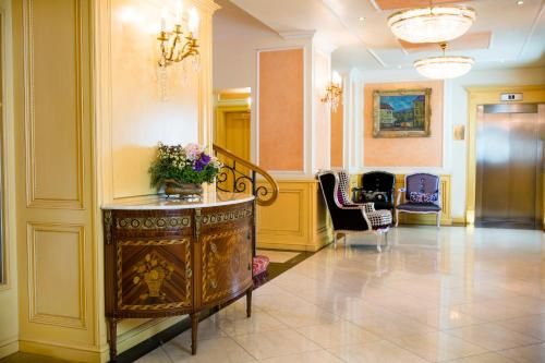 Luxury Family Hotel Royal Palace photo 17