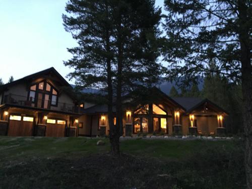 Radium Elk Park B & B - Radium Hot Springs, BC V0A 1M0