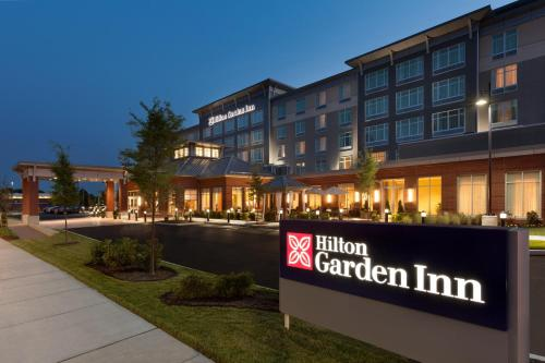 Hilton Garden Inn Boston Logan Airport Hotel