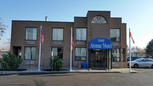 Avenue Motel - Mississauga, ON L4Y 2B8