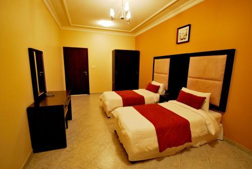 HotelPeninsula Suites