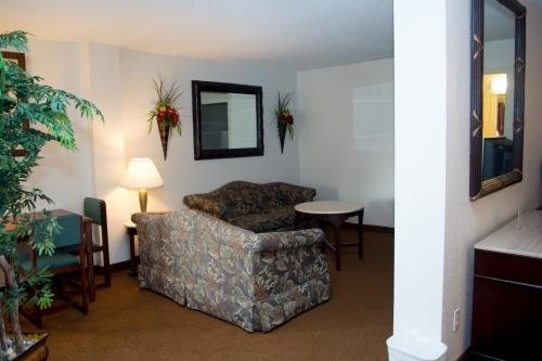 Days Inn By Wyndham Owensboro - Owensboro, KY 42303