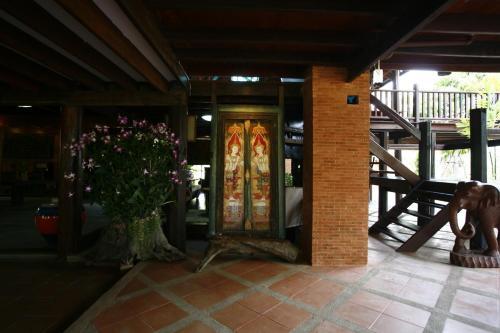 Ayutthaya retreat photo 19