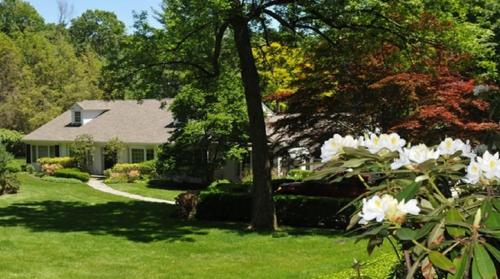 Elegant Home On An Acre Of Rolling Lawns - Greenwich, CT 06830