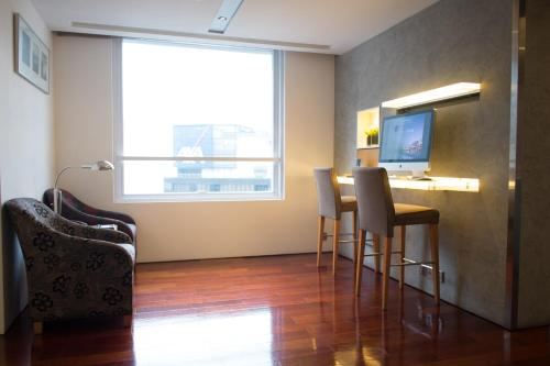 Novotel Century Hong Kong photo 28