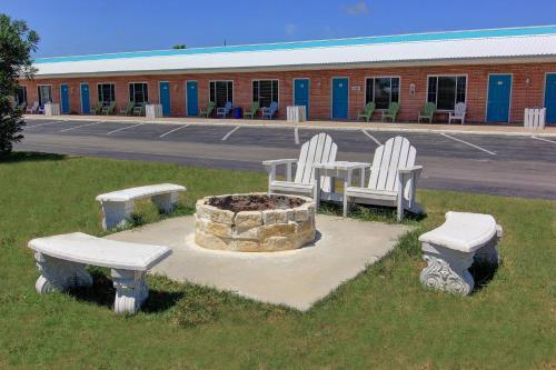 Shark Reef Resort Motel Cottages